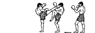 25. Защита от кругового удара правой  голенью в голову.jpg